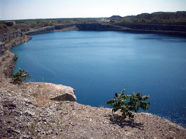Quarry with civil engineering activities