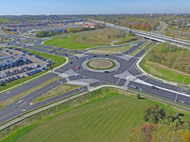 Civil engineering of a roundabout